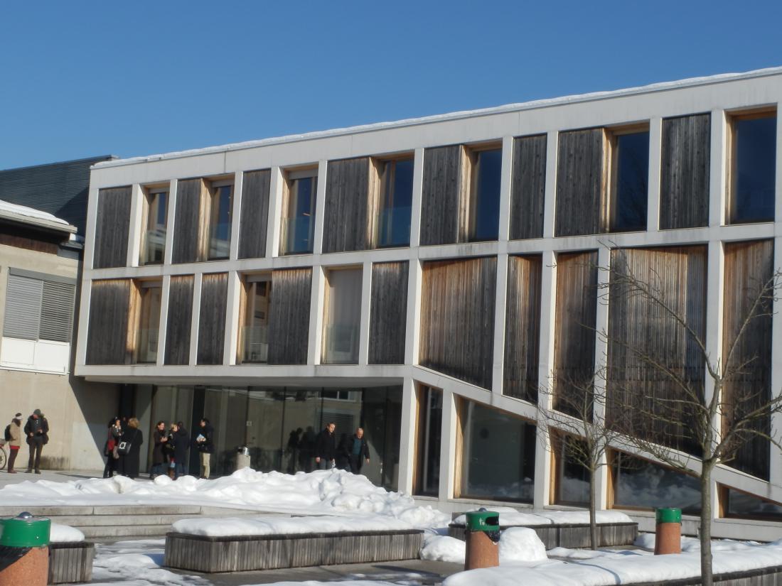 Leseni elementi fasade na Biotehniški fakulteti v Ljubljani