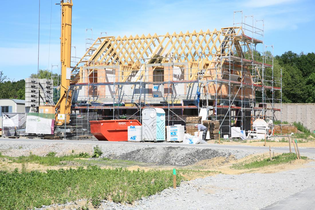 Po sprejetju novega gradbenega zakona bo veljalo prehodno obdobje. FOTO: Imagenet/Shutterstock