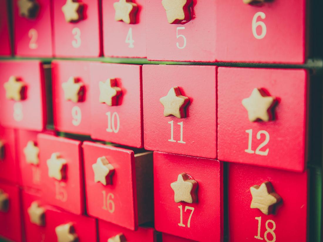 Lesen adventni koledar s predalčki lahko uporabimo večkrat. Foto: Mahony/Shutterstock