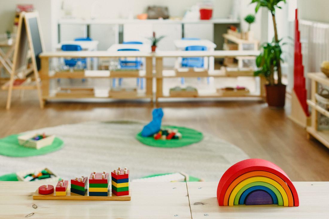 Okolje naj spodbuja učenje in radovednost otrok. Foto: Shutterstock