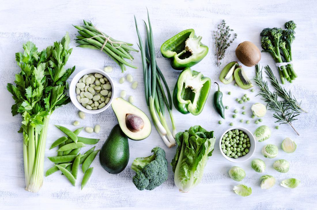 Ljudje bi morali več kot podvojiti uživanje sadja, zelenjave in stročnic, kot so fižol, čičerika in leča. FOTO: Shutterstock