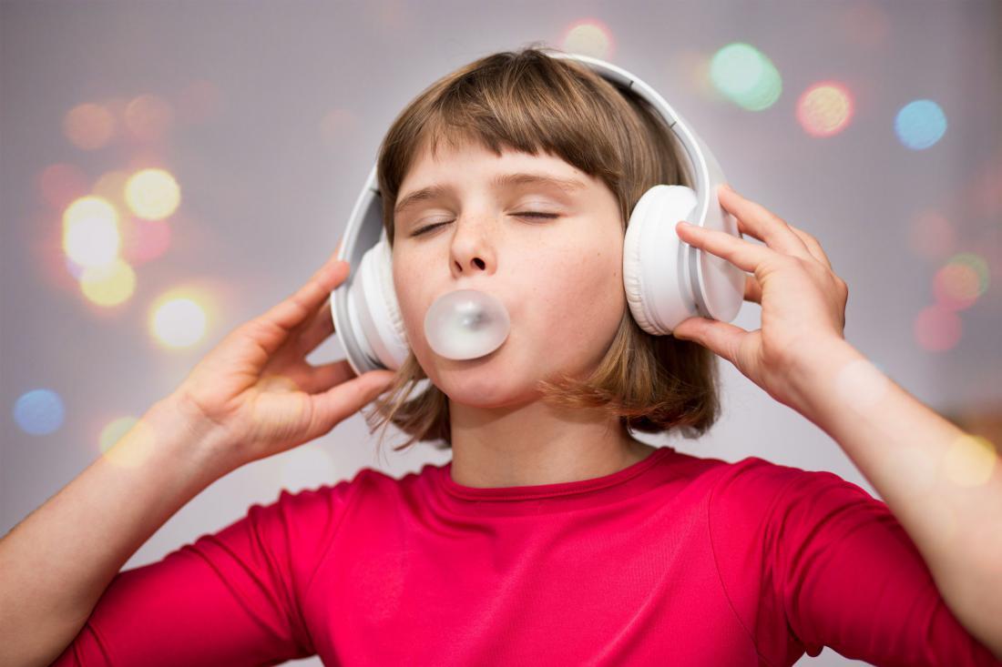Žvečilni gumi v laseh? Rešitev brez striženja. Foto: Shutterstock
